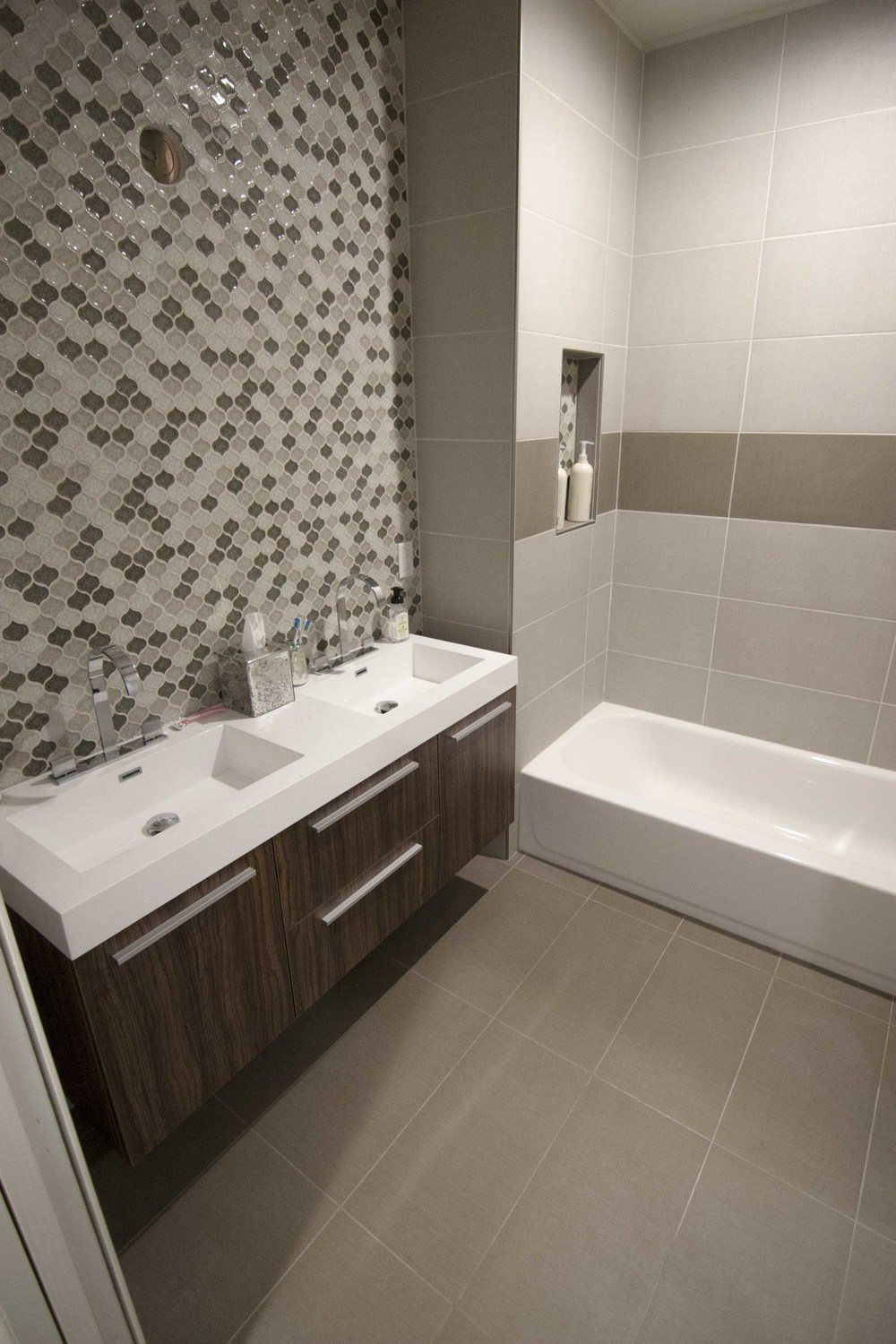 residential-tile-bathroom