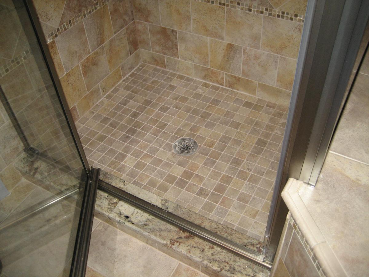 shower-floor-tile-design-ideas_LZDIRd3d3LmJlc3RmbG9vcmlkZWFzLmNvbS93cC1jb250ZW50L3VwbG9hZHMvMjAxNS8wMQ==