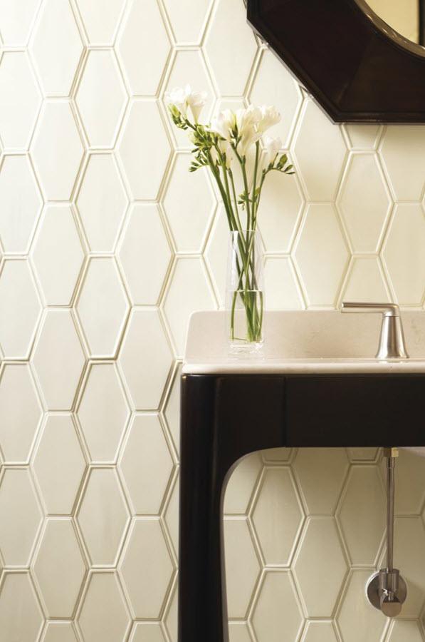 white_hexagon_bathroom_tile_10