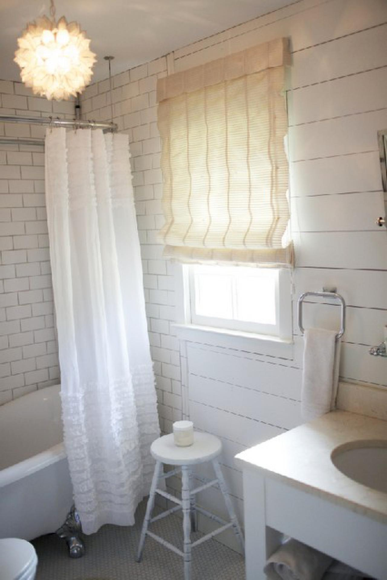 DP_Darnell-Cottage-Master-Bathroom-3_s3x4.jpg.rend.hgtvcom.1280.1920