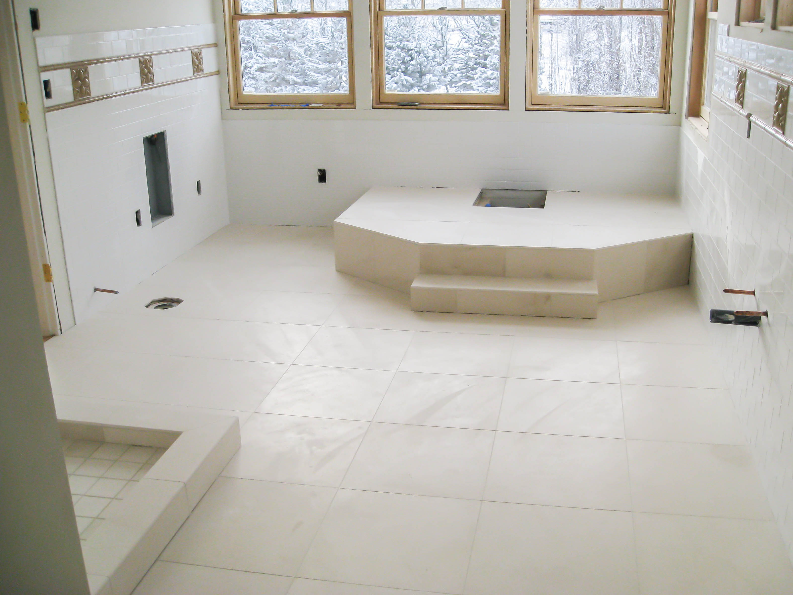 bathroom-flooring-bathroom-flooring-bathroom-floors-seattle-tile-contractor-irc-tile-services-bathroom-picture-bathroom-flooring
