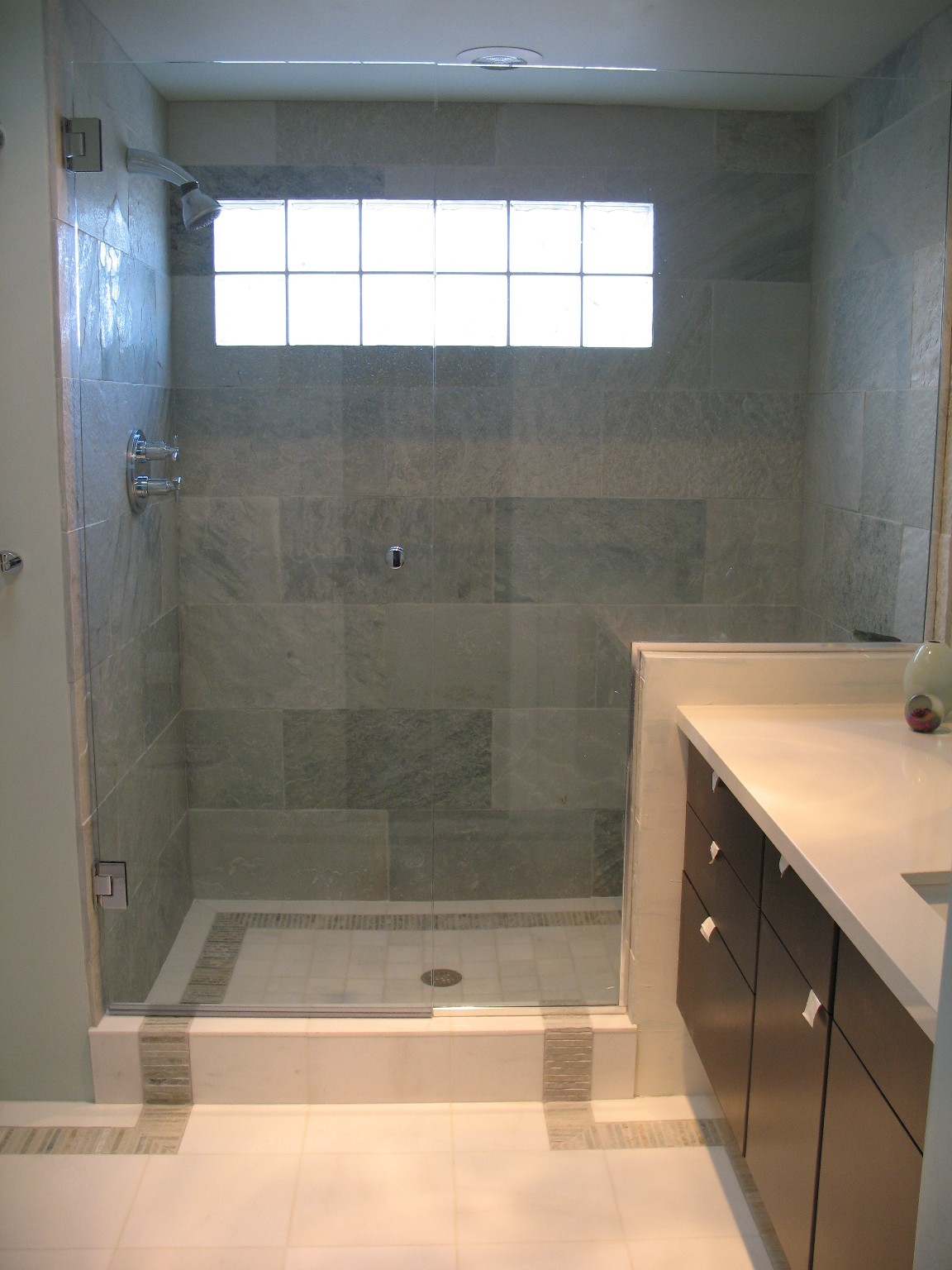30 shower tile ideas on a budget for Bathroom tiles images gallery