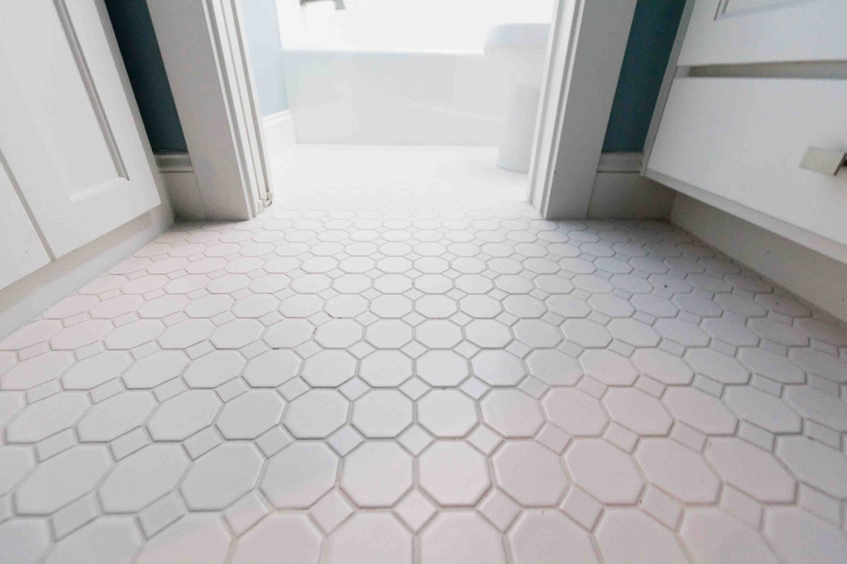 30 ideas for bathroom carpet floor tiles for Grey brown floor tiles