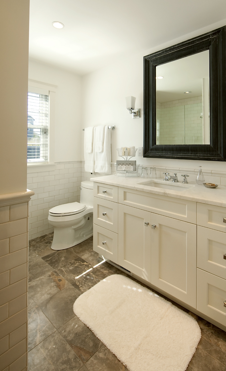 cottage-bathroom-decor