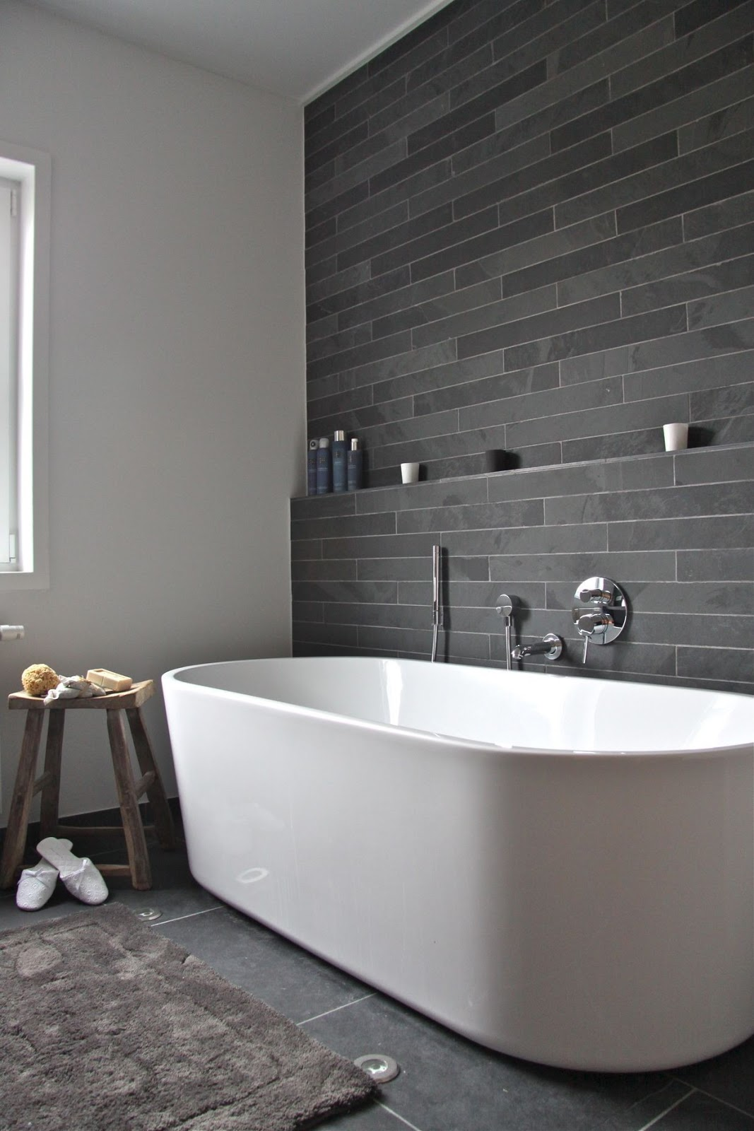 i-think-watching-this-tub-fill-with-water-would-be-a-pleasure-unto-itself-sharpbathroom