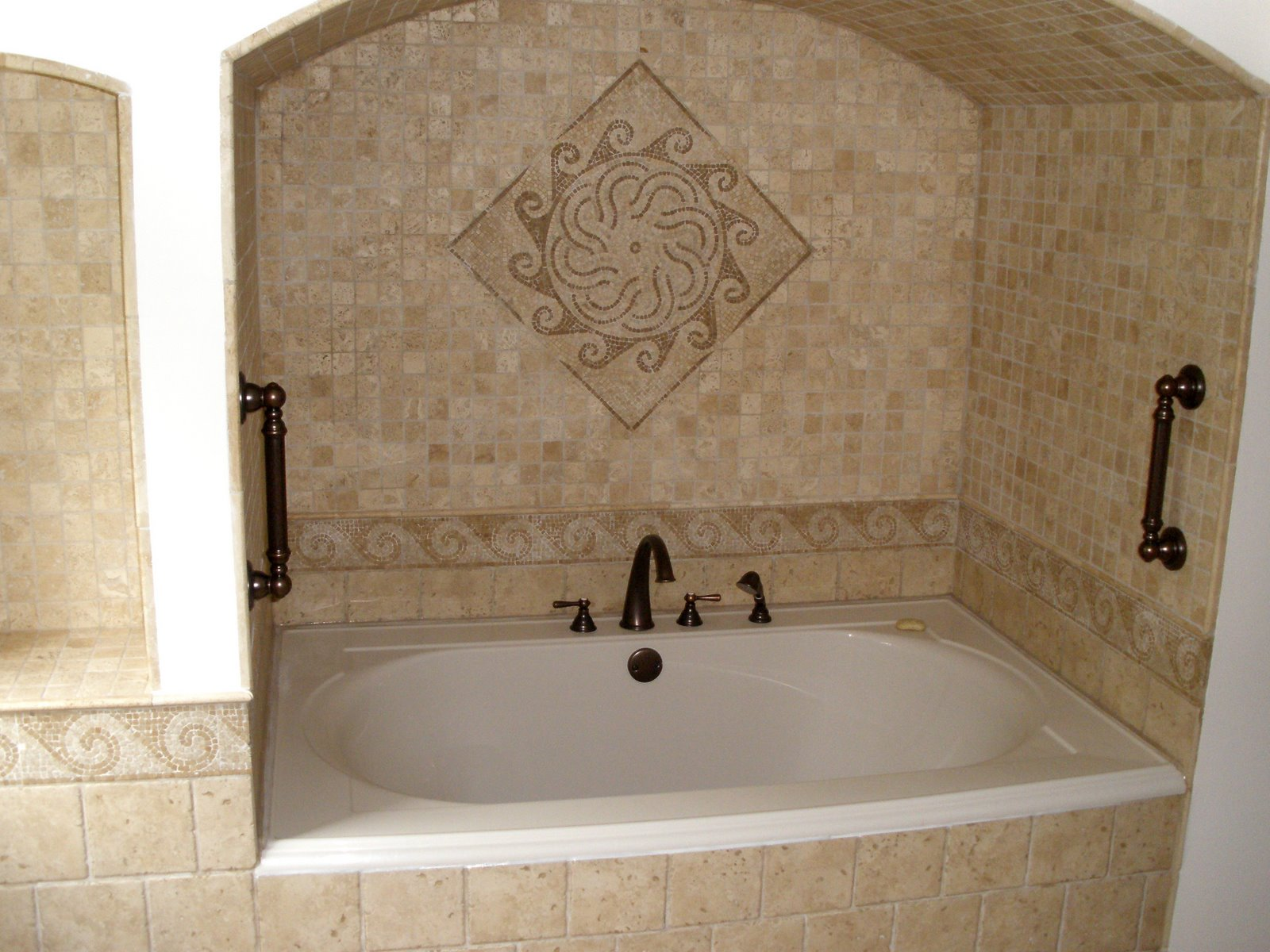 30 pictures of bathroom tile ideas on a budget for Restroom decoration pictures